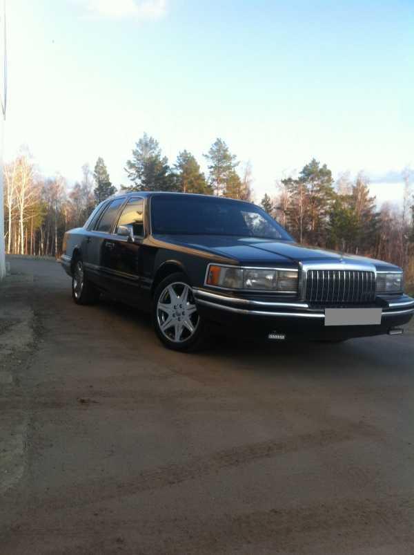 Lincoln Town Car, 1993 год, 810 000 руб.
