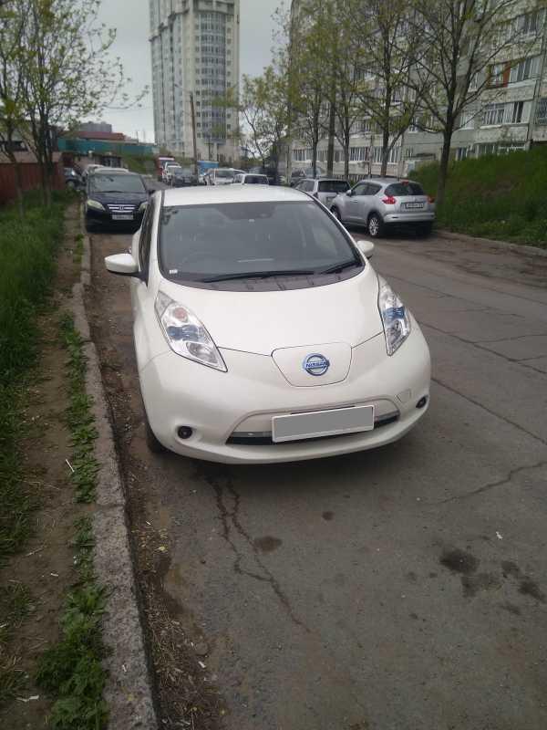 Nissan Leaf, 2016 год, 800 000 руб.