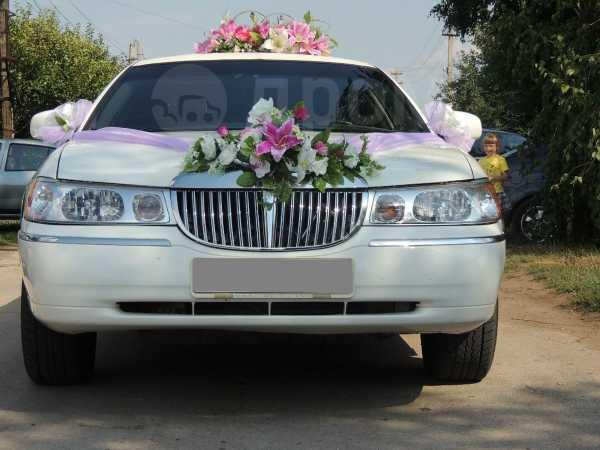 Lincoln Town Car, 2001 год, 400 000 руб.