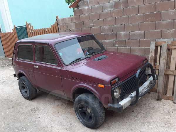 Лада 4x4 2121 Нива, 1998 год, 135 000 руб.