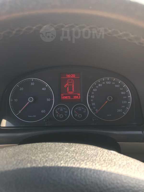 Volkswagen Touran, 2009 год, 700 000 руб.