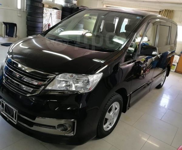 Nissan Serena, 2013 год, 947 000 руб.