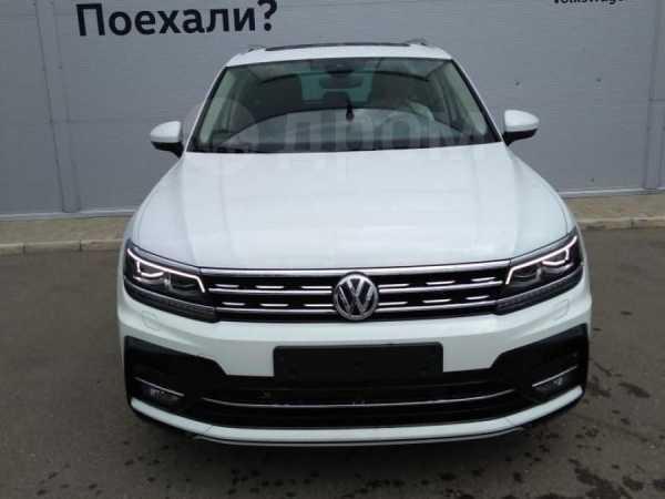 Volkswagen Tiguan, 2019 год, 2 808 800 руб.