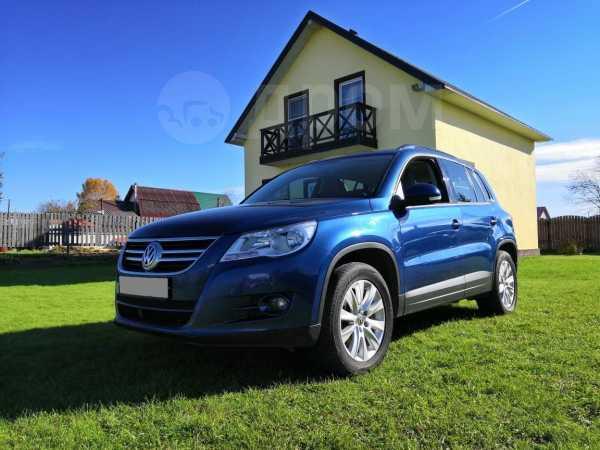 Volkswagen Tiguan, 2010 год, 569 000 руб.