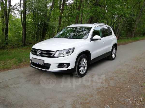 Volkswagen Tiguan, 2011 год, 725 000 руб.