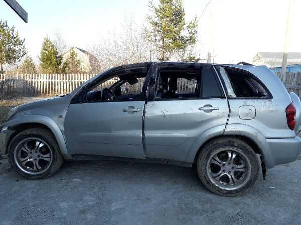 Toyota RAV4, 2003 год, 140 000 руб.