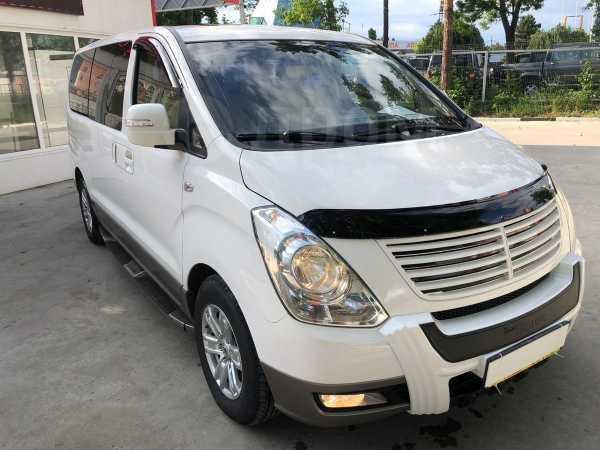 Hyundai Grand Starex, 2012 год, 1 390 000 руб.
