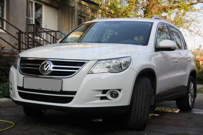 Volkswagen Tiguan, 2008 год, 585 000 руб.