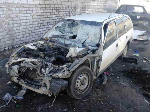 Nissan Avenir, 1998 год, 10 000 руб.