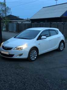 Кызыл Opel Astra 2012