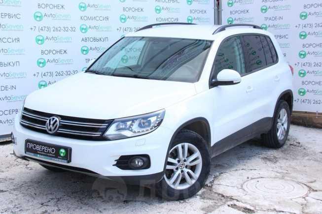 Volkswagen Tiguan, 2015 год, 1 199 000 руб.