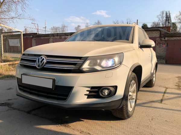 Volkswagen Tiguan, 2012 год, 980 000 руб.