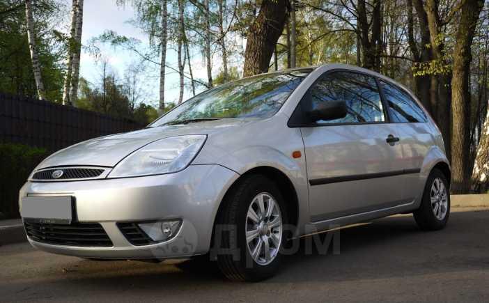 Ford Fiesta, 2004 год, 140 000 руб.