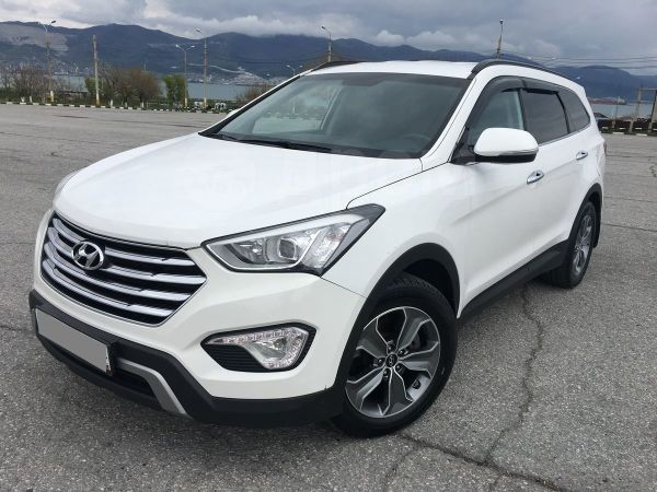 Hyundai Grand Santa Fe, 2015 год, 1 599 000 руб.