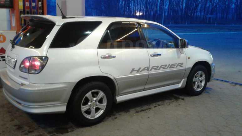 Toyota Harrier, 2000 год, 545 000 руб.