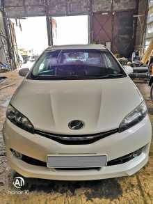 Магадан Toyota Wish 2012