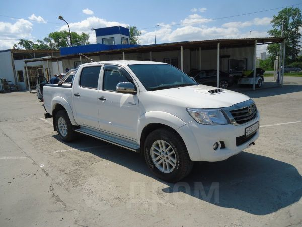 Toyota Hilux Pick Up, 2015 год, 1 999 000 руб.