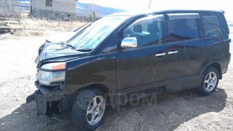 Toyota Voxy, 2004 год, 80 000 руб.