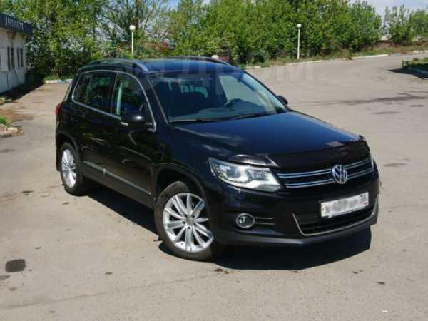 Volkswagen Tiguan, 2013 год, 879 000 руб.