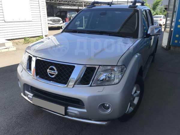 Nissan Navara, 2010 год, 930 000 руб.