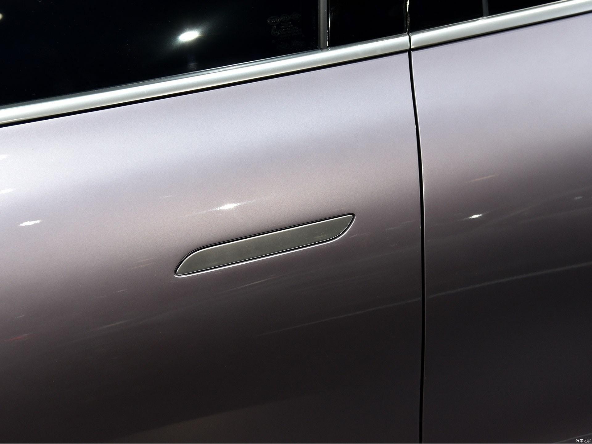 Mercedes-Benz показал в Китае прототип электрического кроссовера под маркой Denza