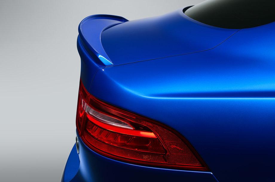 Лимитированный Jaguar XE SV Project 8 Touring готов объезжать многие суперкары