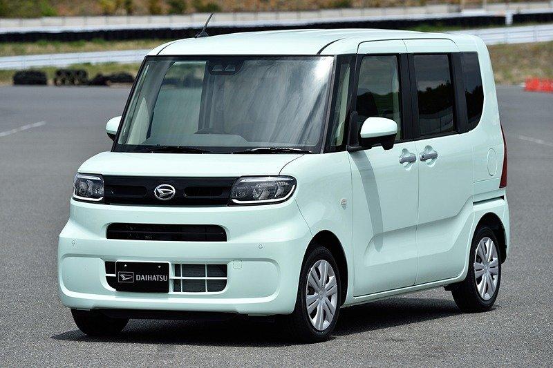 Новое поколение кей-кара Daihatsu Tanto переехало на другую платформу