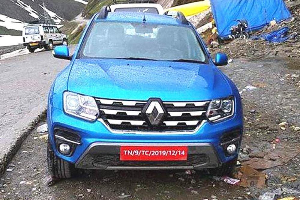 Появились фотографии обновленного Renault Duster