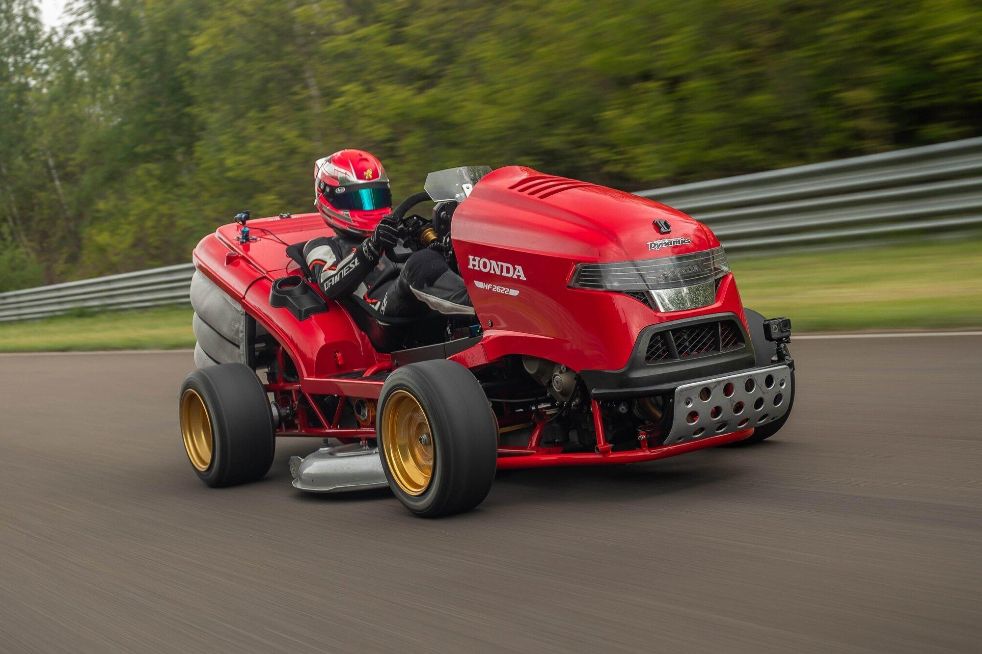 Газонокосилка Honda побила рекорд Гиннесса