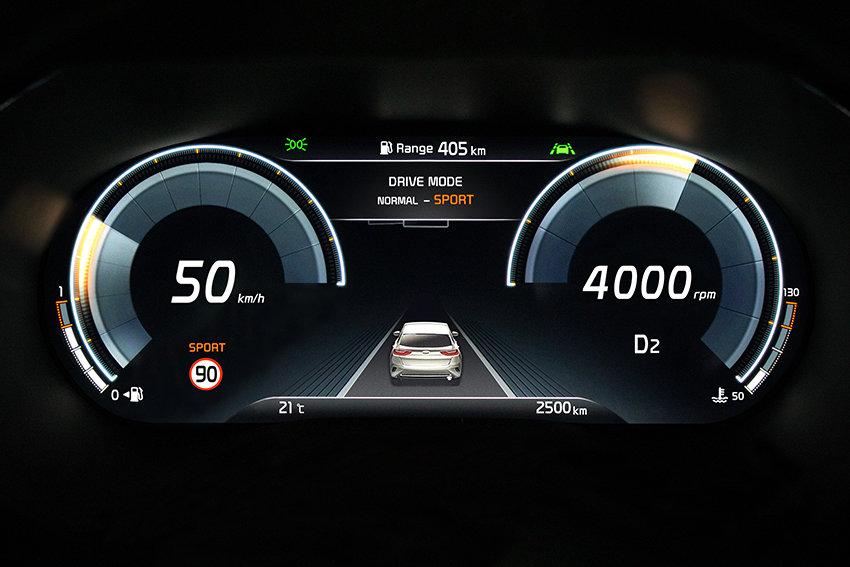 У Kia XCeed будет прогрессивная электронная «приборка»