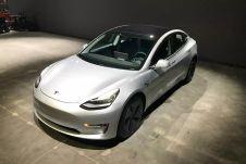 Не хватает на новую Model 3? Купи подержанную