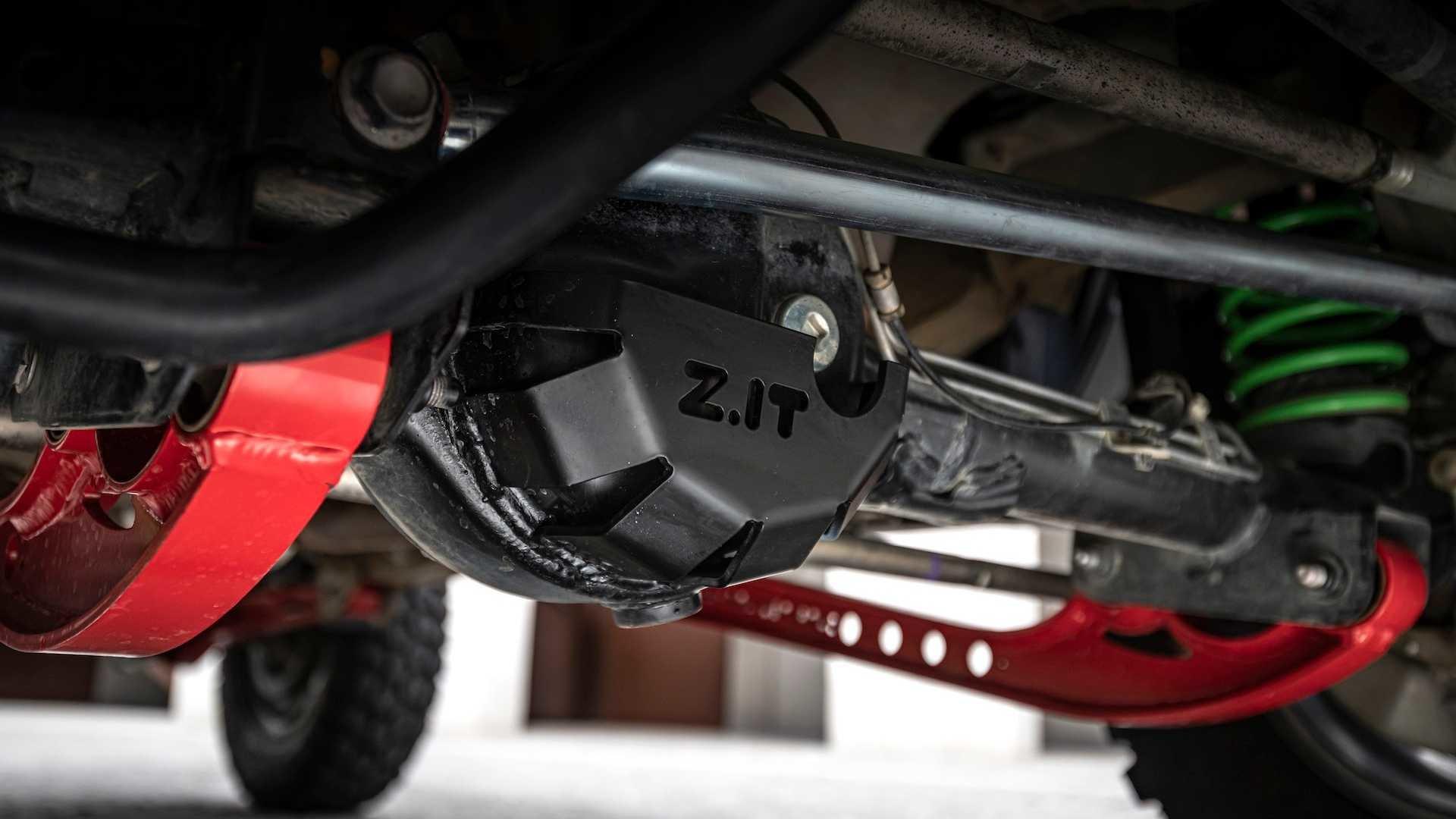 Suzuki показала лифтованную версию нового Джимни