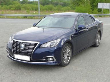 Toyota Crown, 2016
