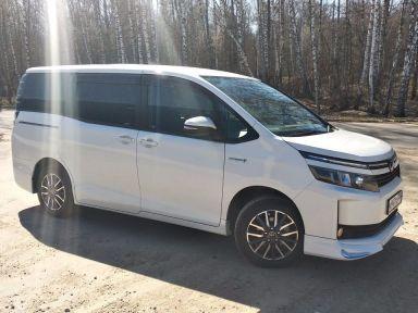 Toyota Voxy 2014 отзыв автора | Дата публикации 17.06.2019.