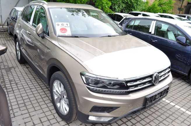 Volkswagen Tiguan, 2019 год, 2 450 300 руб.