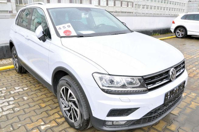 Volkswagen Tiguan, 2018 год, 2 125 000 руб.