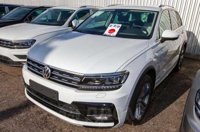 Volkswagen Tiguan, 2019 год, 2 706 000 руб.