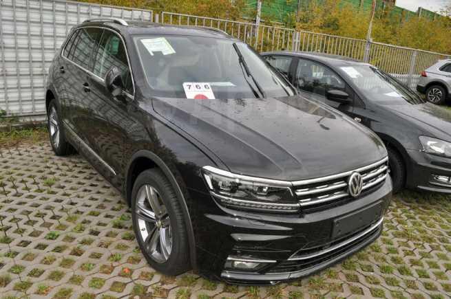 Volkswagen Tiguan, 2018 год, 2 551 800 руб.