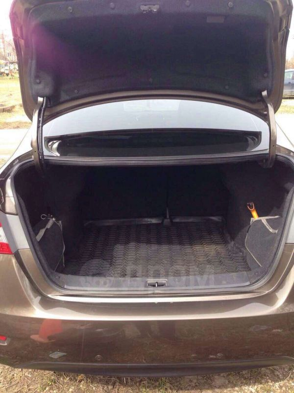 Nissan Sentra, 2015 год, 900 000 руб.