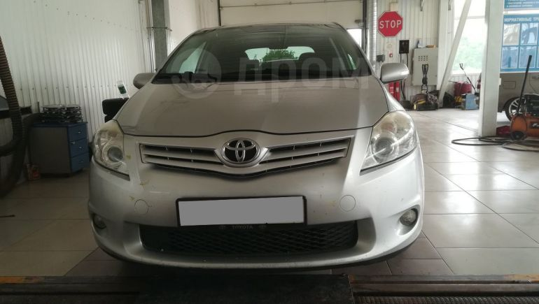 Toyota Auris, 2010 год, 490 000 руб.