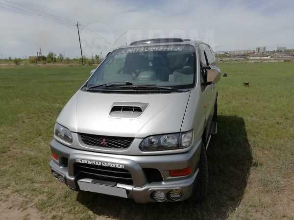 Mitsubishi Delica, 1998 год, 550 000 руб.