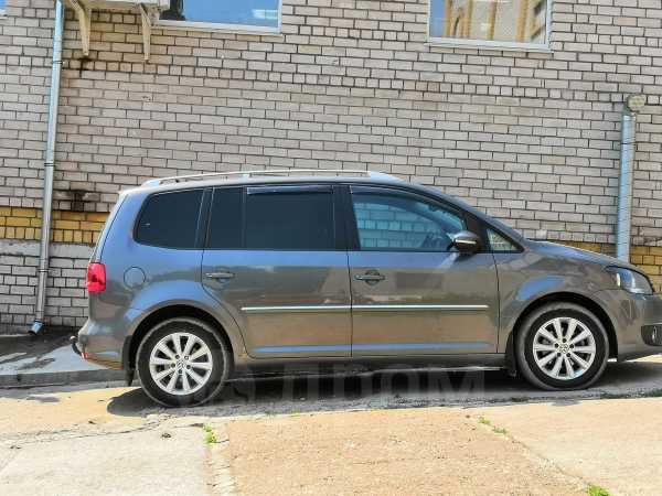 Volkswagen Touran, 2012 год, 799 000 руб.