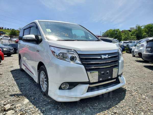 Toyota Noah, 2015 год, 1 300 000 руб.