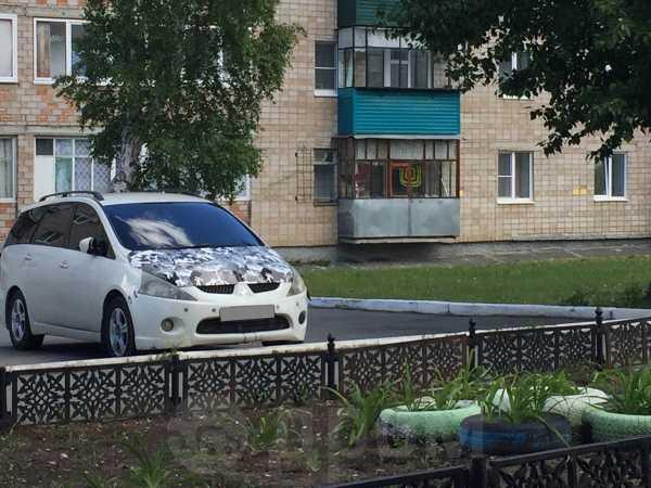 Mitsubishi Chariot Grandis, 2003 год, 280 000 руб.