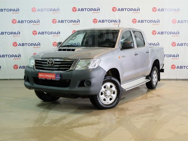 Toyota Hilux Pick Up, 2015 год, 1 300 000 руб.