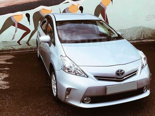 Toyota Prius a, 2013 год, 799 000 руб.
