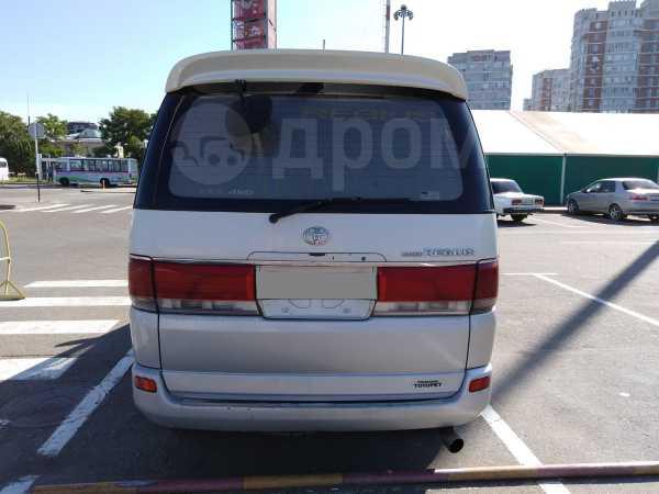 Toyota Hiace Regius, 1997 год, 585 000 руб.