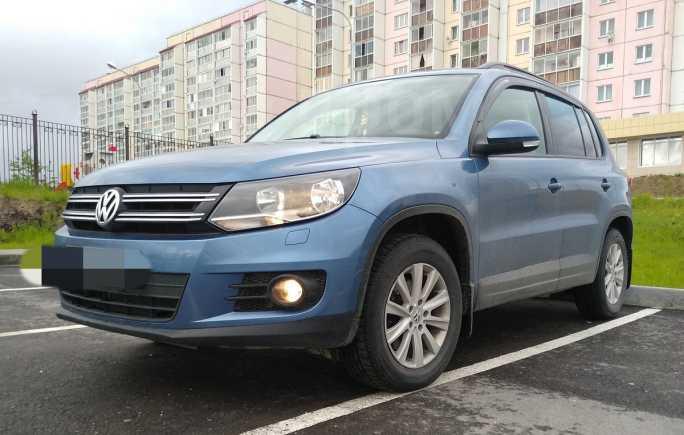 Volkswagen Tiguan, 2011 год, 570 000 руб.