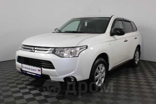 Mitsubishi Outlander, 2014 год, 915 900 руб.