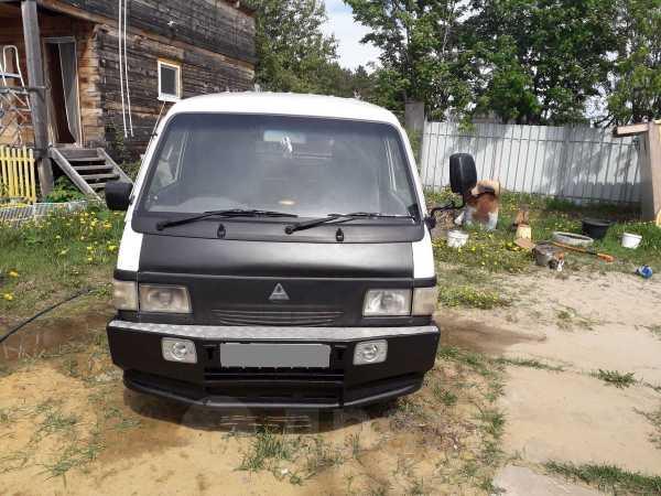 Mitsubishi Delica, 2001 год, 400 000 руб.